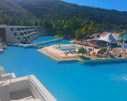 image of the refurbished Hayman Island swimming pool, the largest in the southern hemisphere
